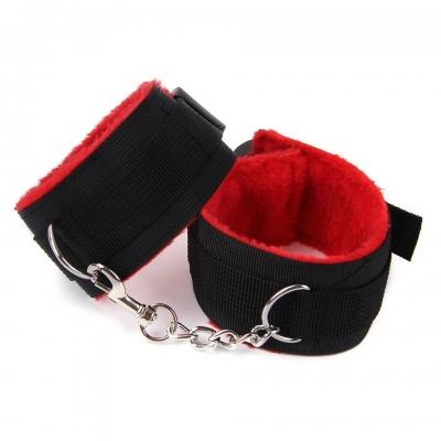 Наручники красно-черные текстиль